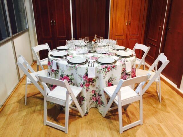 Mesa mantelería Catering Domingo Árias